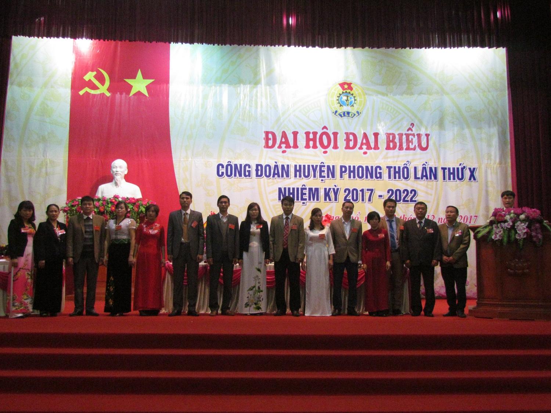 Ban chấp hành Công đoàn huyện Phong Thổ lần thứ X, nhiệm kỳ 2017-2022 ra mắt Đại hội