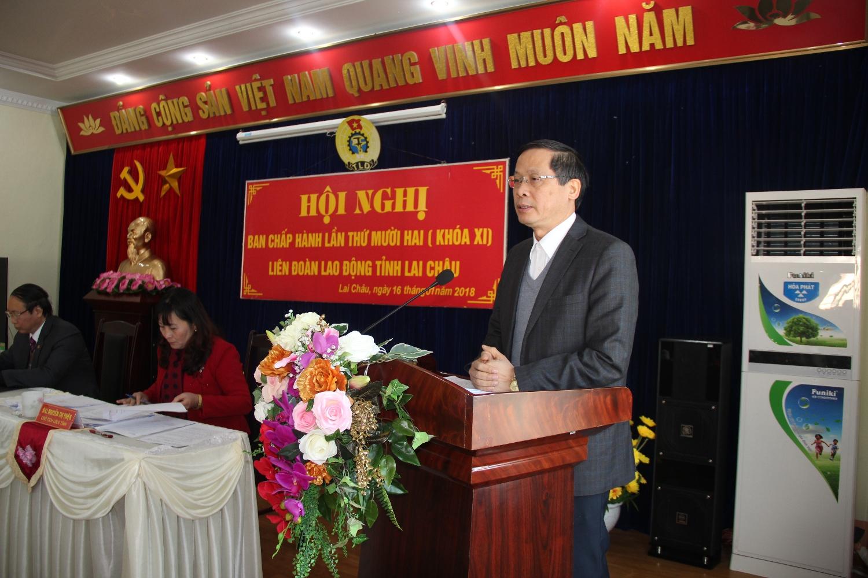 Đồng chí Vũ Văn Hoàn, Phó bí thư tỉnh ủy, Chủ tịch HĐND tỉnh phát biểu chỉ đạo Hội nghị